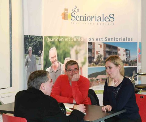 Rencontre entre exposants et visiteurs au Salon Immobilier de Saint-Etienne 2016